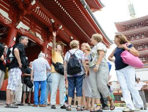 増える日本への外国人旅行者