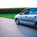 若年層の自動車保険料が値下げ。三井住友海上が2017年から。