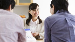 日本生命と住友生命、生保レディ・営業職員の給与アップで離職対策